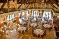 Veličanstveno zdanje Vinarije, usidreno u moru svojih vinograda, čini idealno mesto za organizaciju proslava koje će se dugo prepričavati , a topla atmosfera i ljubazni domaćini pobrinuće se da doživite iskustvo vredno pamćenja.